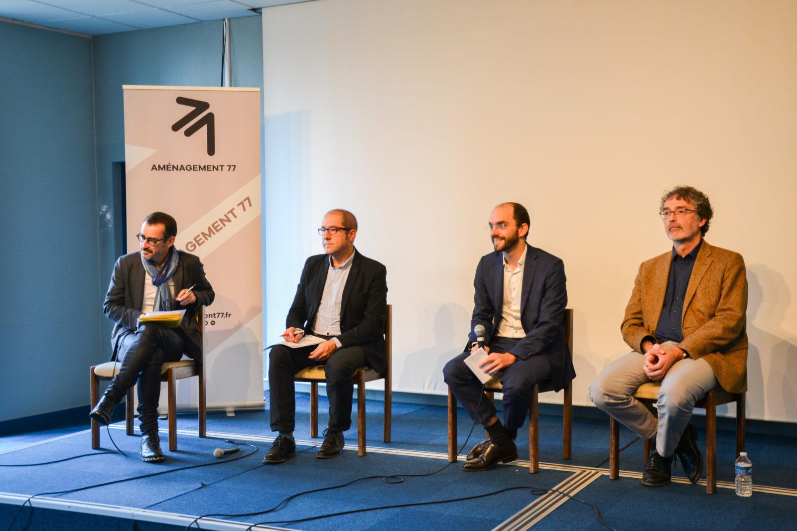 2è table ronde : Laurent LE CORRE (SCET), Enrique PORTOLA (DRIEE), Nicolas ROUX (EPA Marne), Dominique IGLESIAS (Thema Environnement)